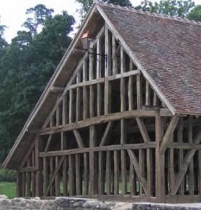 Construire une maison en bois les techniques et exemples for Maison en colombage
