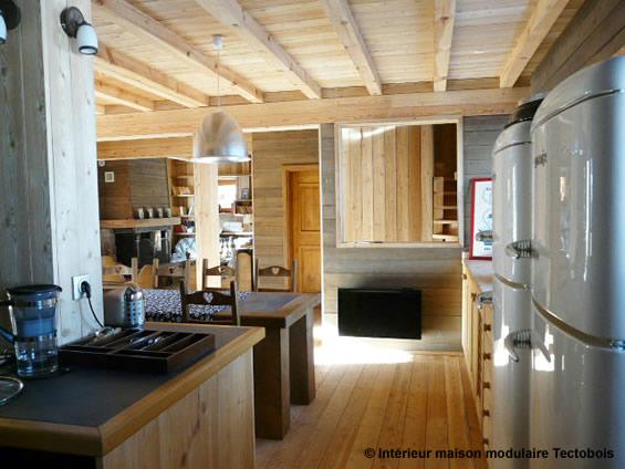 Une maison bois modulaire et transportable for Decoration petite maison