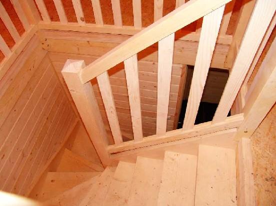 Maison en bois petit prix les maisons xe 60 000 for Plan petit escalier en bois