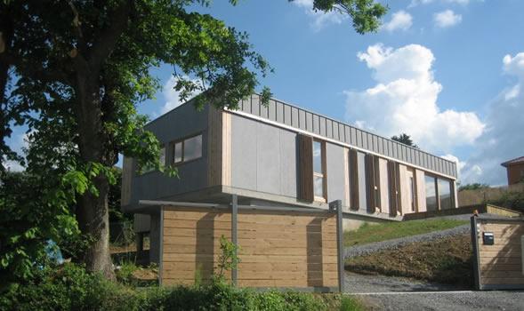 Maison contemporaine ossature bois lyon for Extension maison lotissement
