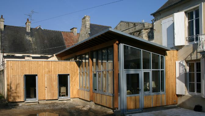 Extension bois d 39 une maison de ville for Extension maison bois etage