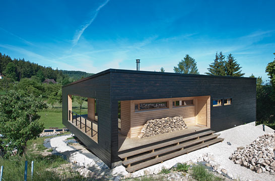 Maison contemporaine maison design plusvilla design pur scandinave - Maisons contemporaines en bois ...