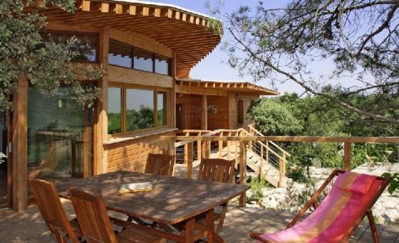 construction de maison en bois bioclimatique et contemporaine. Black Bedroom Furniture Sets. Home Design Ideas