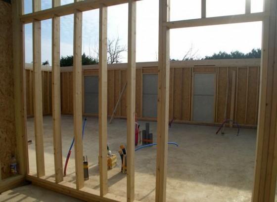 construction d 39 une maison en bois bioclimatique. Black Bedroom Furniture Sets. Home Design Ideas