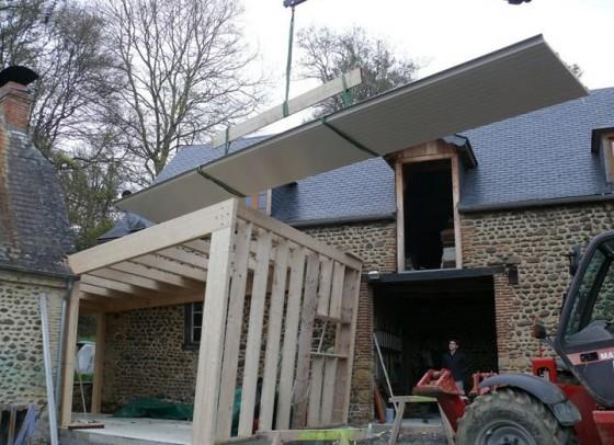 Extension bois permettant de r unir une maison ancienne en for Extension bois maison ancienne
