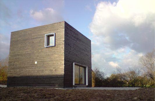 Petite maison en bois pas chere maison en cube petit prix for Prix maison cubique