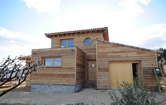 Construction maison en bois ales uzes constructeur de for Constructeur de maison individuelle ossature bois