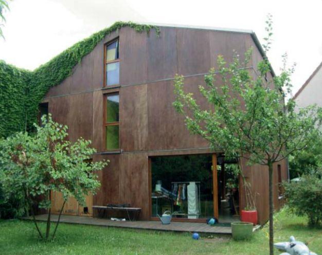 transformation entrepot en maison de ville contemporaine. Black Bedroom Furniture Sets. Home Design Ideas