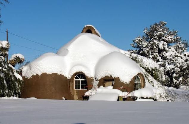 exemple4-maison-terre-ecodome-souslaneige